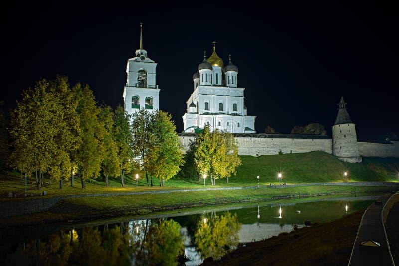 Pskov het Kremlin stock foto's