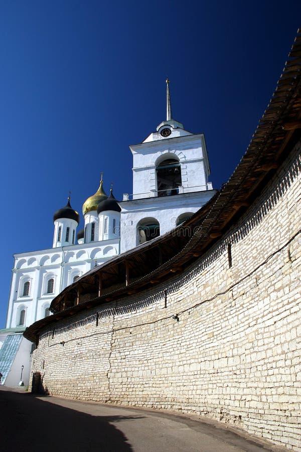 Pskov. Il Kremlin. fotografie stock