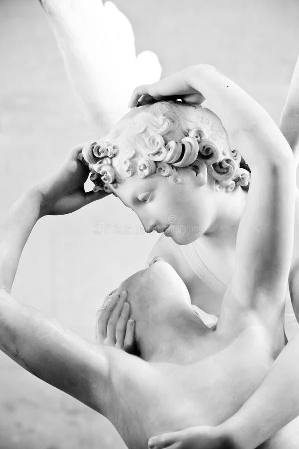 Psyches door Cupidokus die worden doen herleven stock fotografie