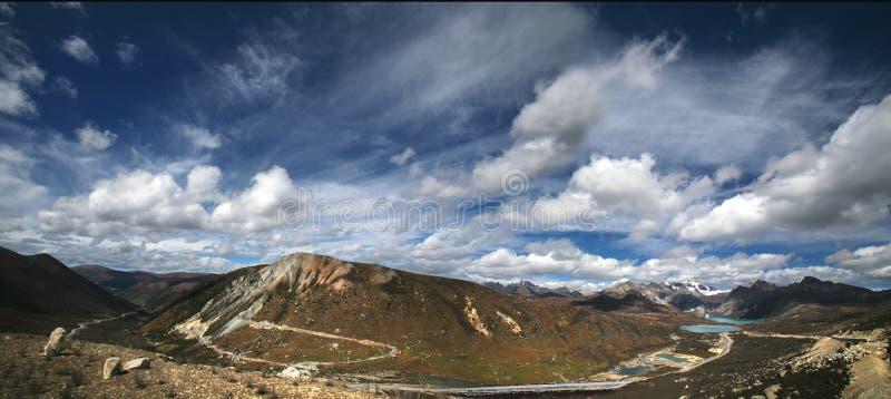 ptasiego oka jeziorny góry s widok obraz royalty free