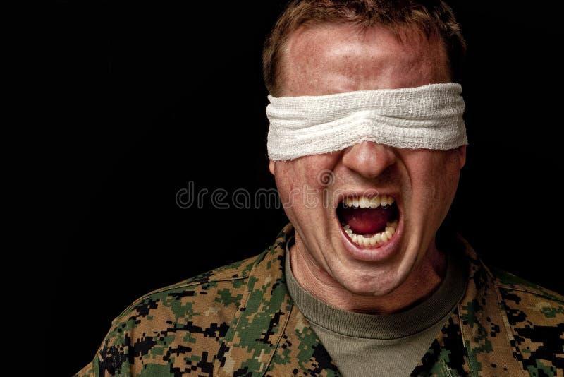 ptsd żołnierz cierpi zdjęcie stock