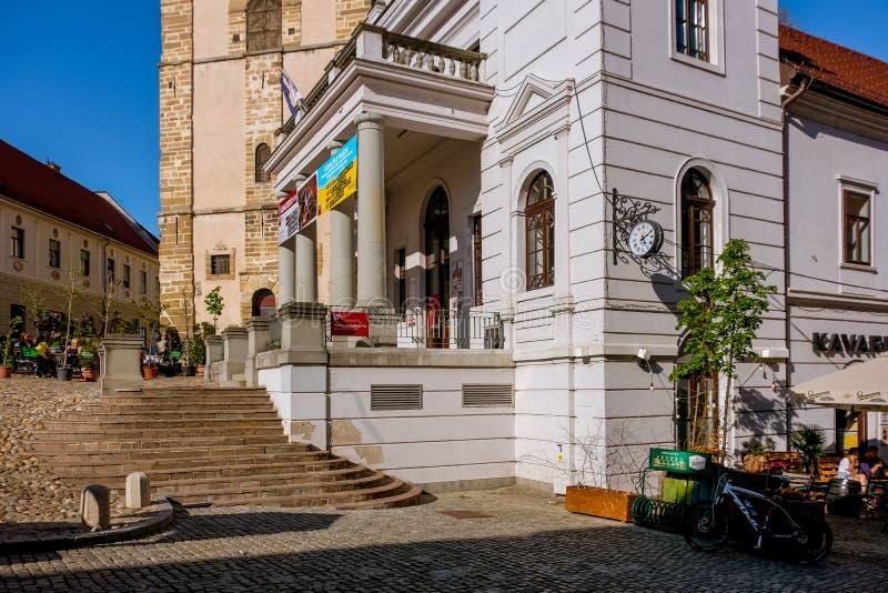 Ptuj, teatro da cidade imagem de stock