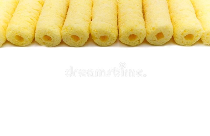Puñado de palillos crujientes dulces del maíz imagenes de archivo