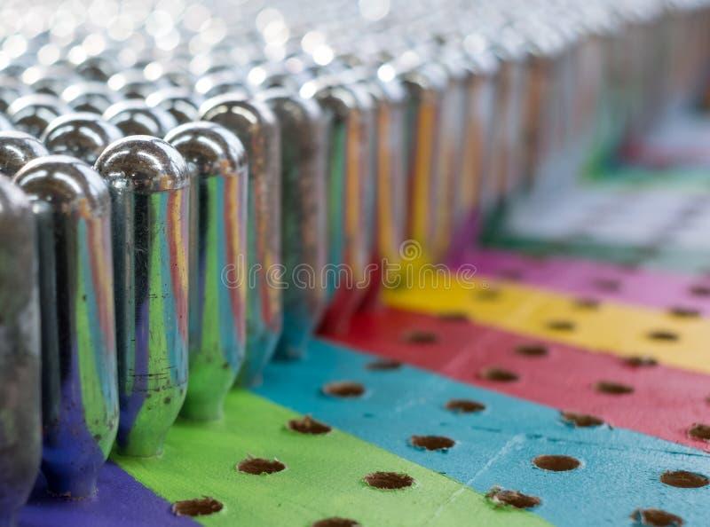 Puści azotawego tlenku kanistery odbija psychodelicznych colours zdjęcie stock