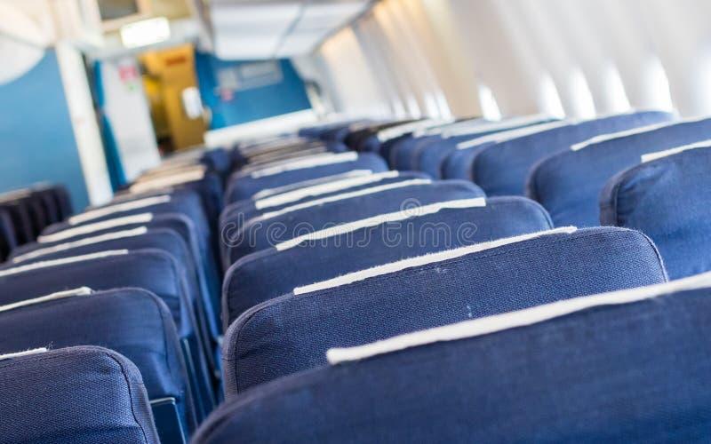 Puści starzy samolotów siedzenia w kabinowej, selekcyjnej ostrości, fotografia stock