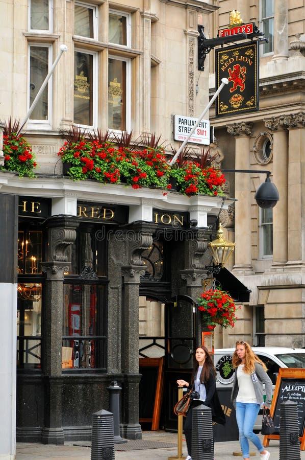 Pub britannico tradizionale fotografie stock