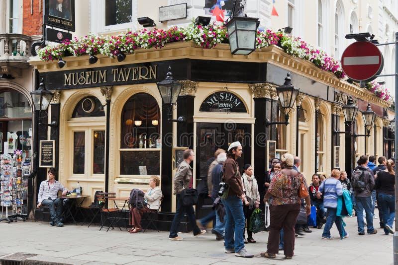 Pub della locanda del museo a Londra immagini stock