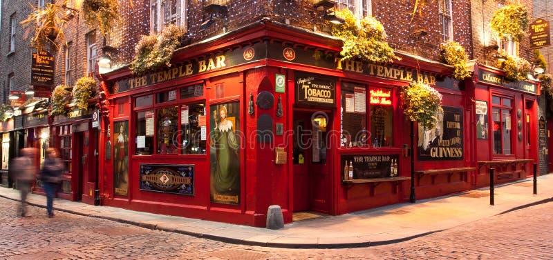 Pub Dublín de la barra del templo fotografía de archivo