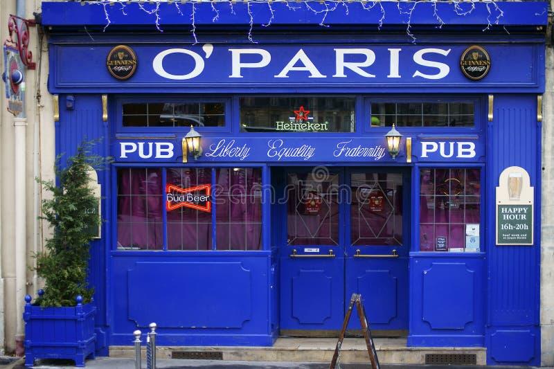 Pub O 'París de la cerveza imagenes de archivo