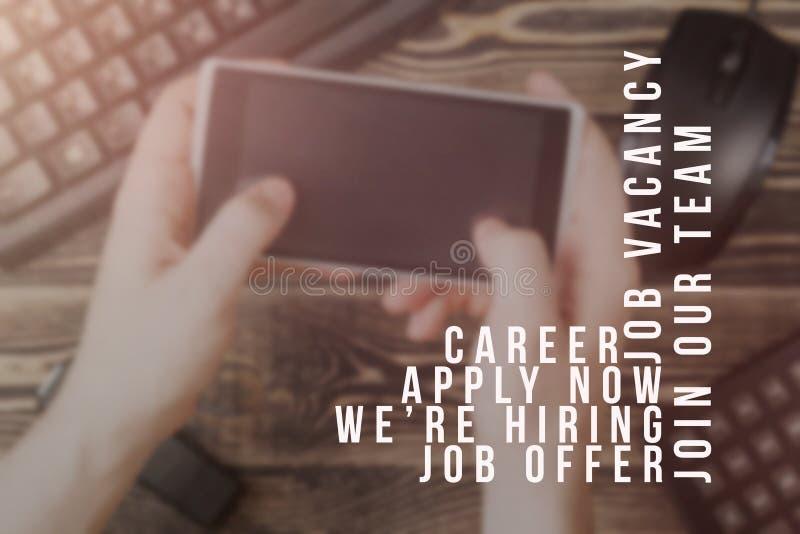 Pubblicità del reclutatore per i posti vacanti, cercante i candidati per assumere per le occasioni d'affari fotografie stock