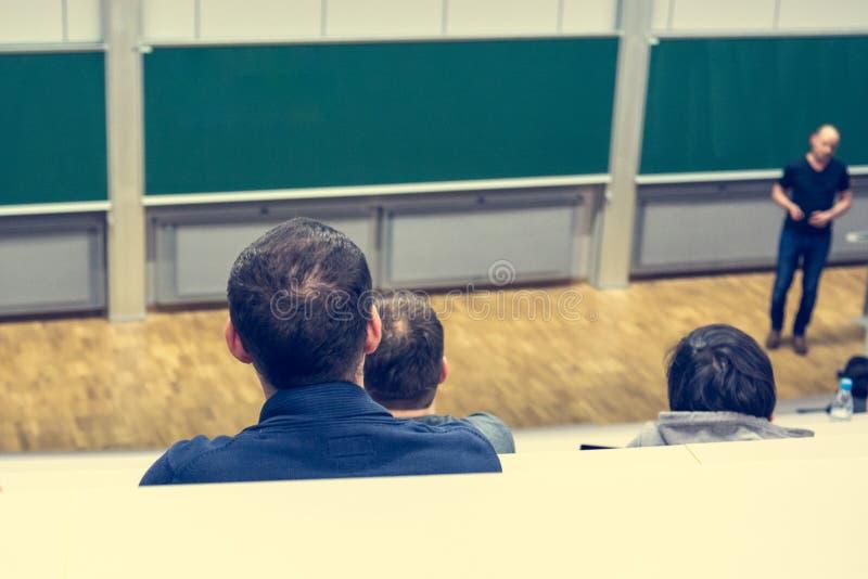 Pubblico ad una conferenza fotografie stock libere da diritti