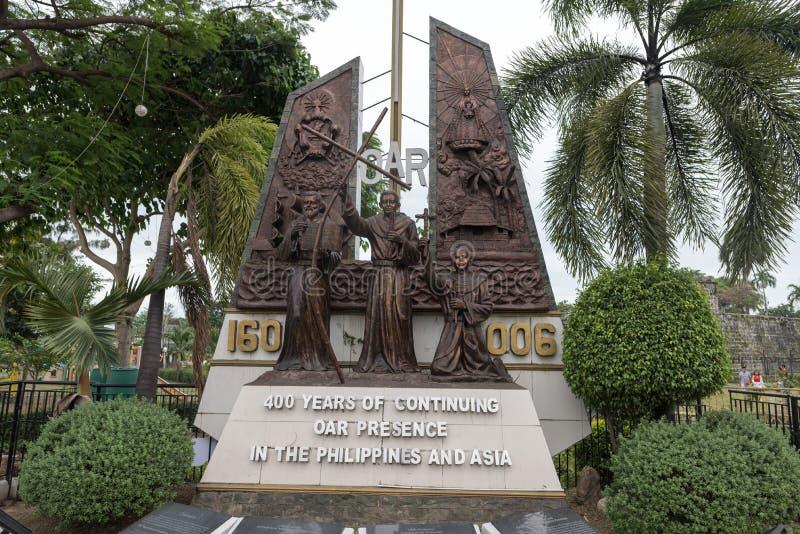 CEBU, PHILIPPINES - FEBRUARY 14, 2018: Public Park in Cebu City. Monument OAR Presence in the Philippines stock photos