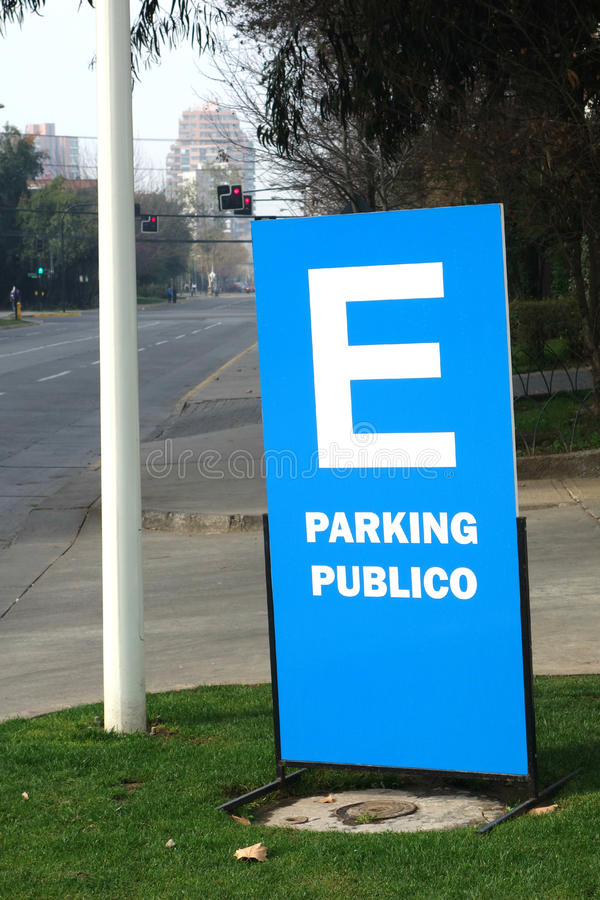 Public Parking Sign. A sign in Spanish for Public Parking royalty free stock photo