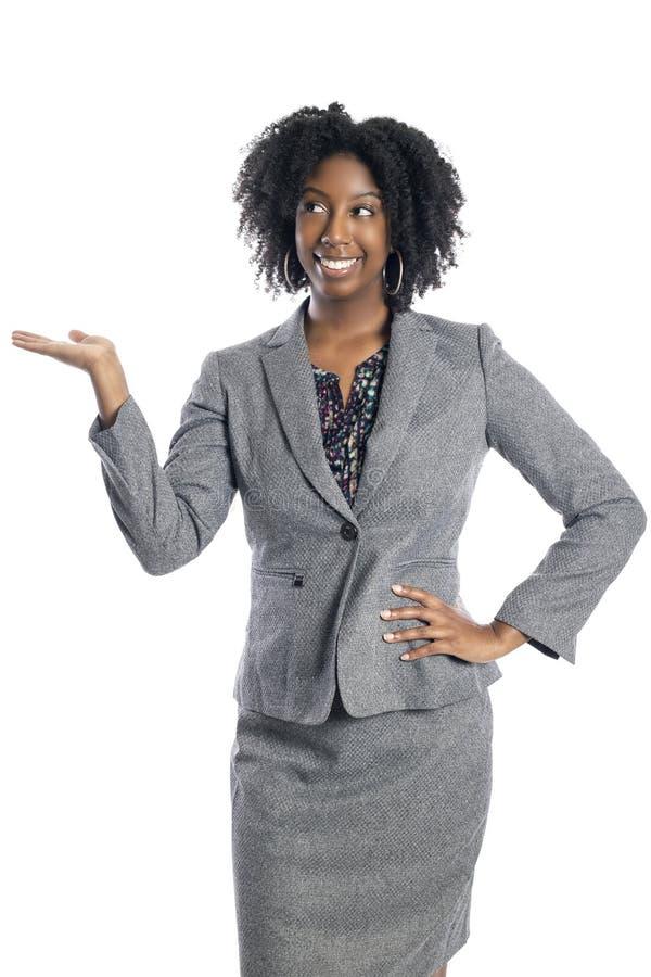 Publicidad femenina negra de la empresaria y presentación algo fotografía de archivo libre de regalías