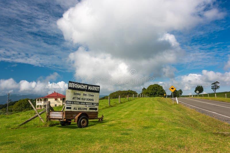 Publicité du marché d'agriculteurs de Beechmont Le Queensland, Australie photographie stock