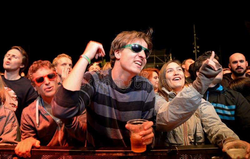 Publiekshorloge een overleg bij het Geluid 2014 van Heineken Primavera stock afbeelding