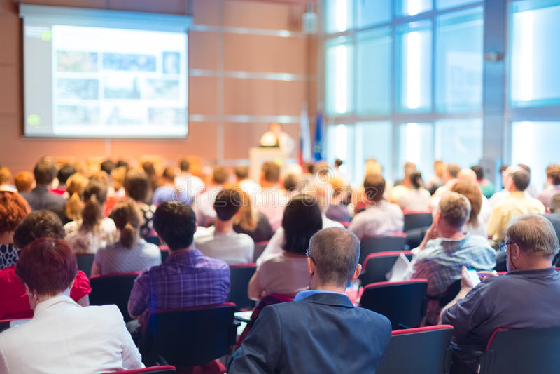 Publikum am Konferenzsaal lizenzfreies stockbild