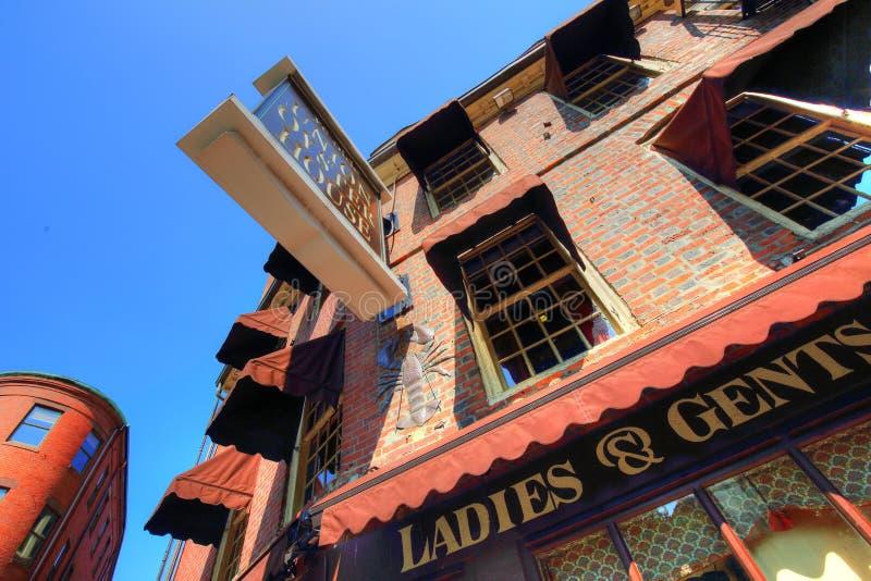 Pubs famosos en el puerto de Boston y el mercado del sur fotografía de archivo