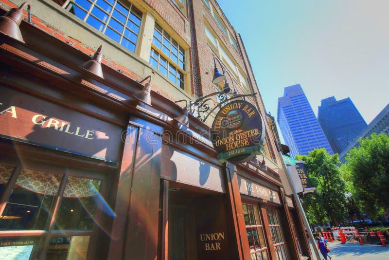 Pubs famosos en el puerto de Boston y el mercado del sur imagenes de archivo