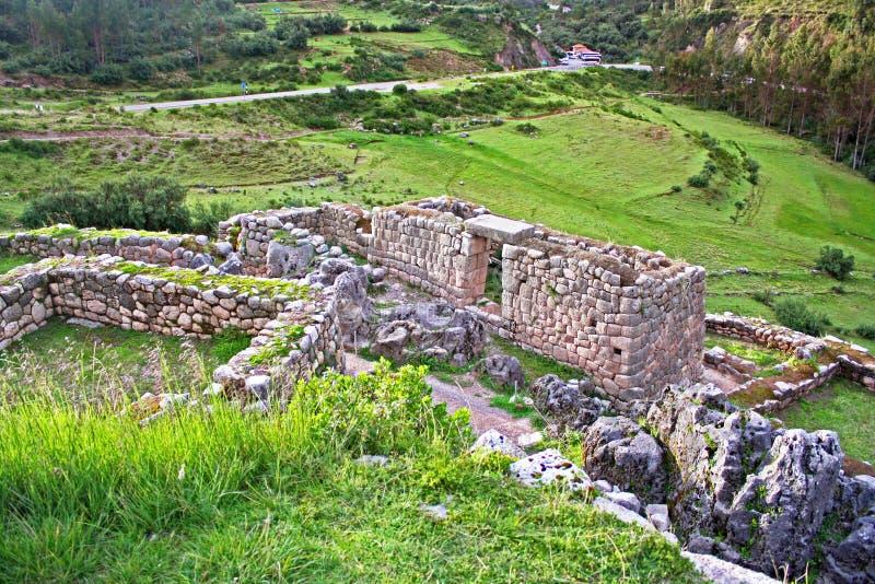 Puca Pucara bietet erstaunliche Ansichten des Cusco-Tales an stockfoto