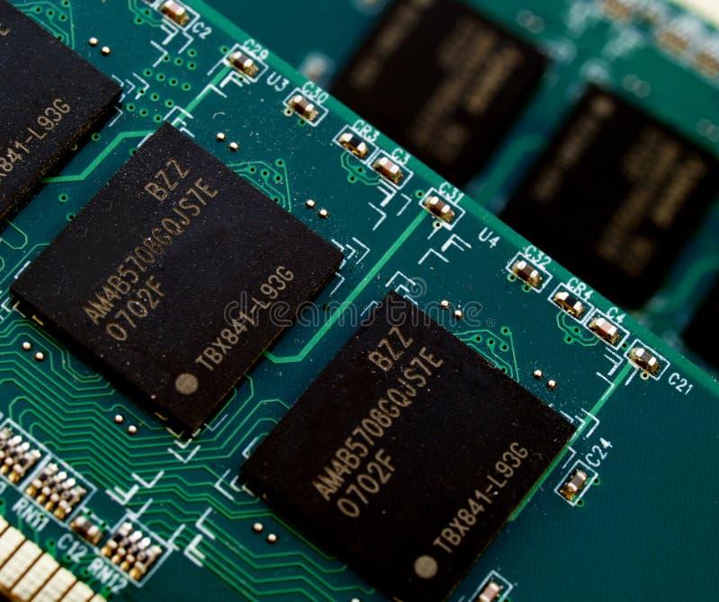 Puce de mémoire image stock