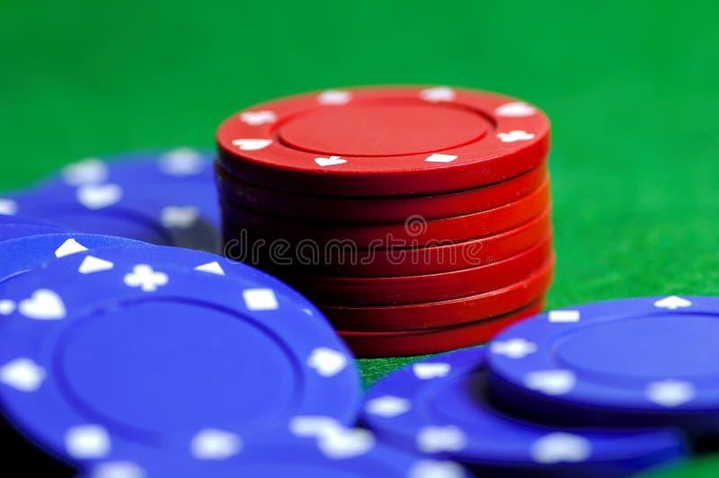 Puces 2 bleues et de rouge photo stock