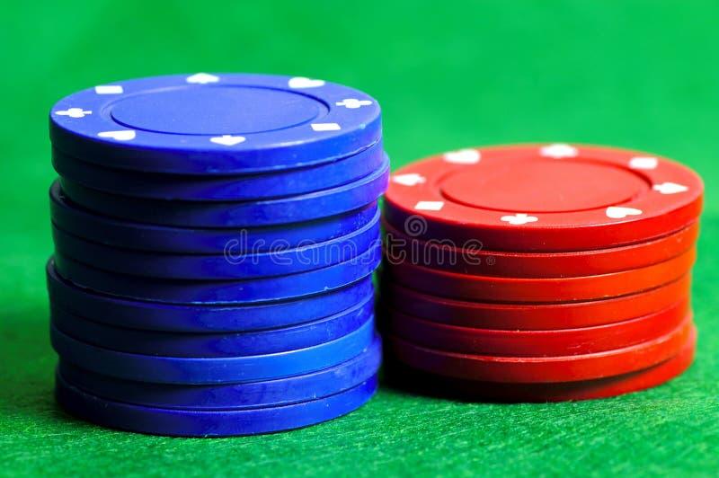 Puces 3 bleues et de rouge images libres de droits