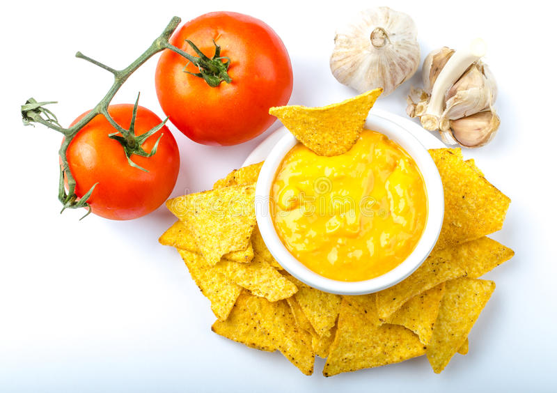 Download Puces De Tortilla Avec L'immersion De Tomate Et De Fromage-ail Image stock - Image du fond, cuvette: 45358521