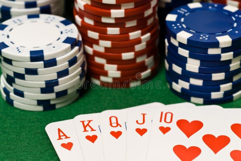 Puces et cartes de casino photos stock