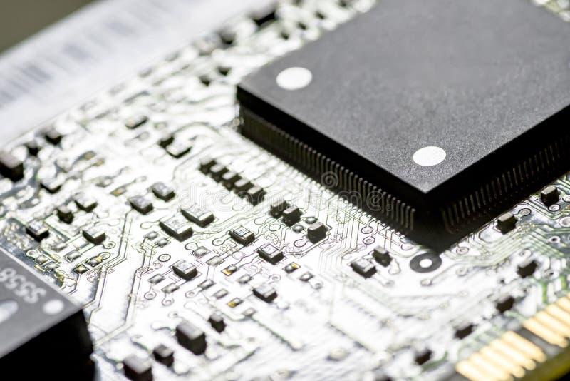 Puces sur une carte de circuit imprimé photo libre de droits
