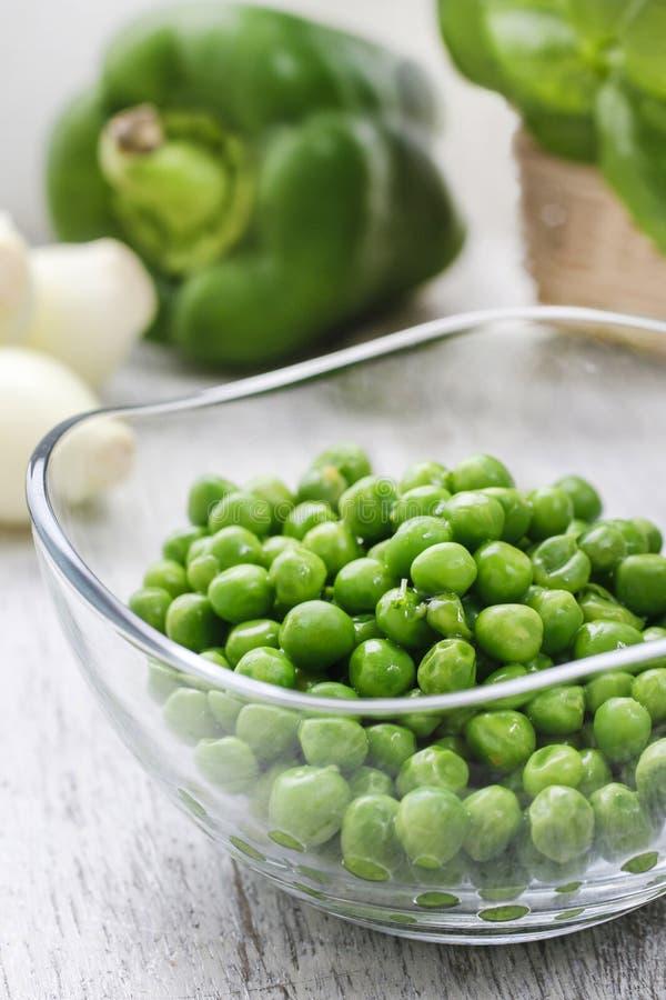 Puchar zieleni grochy zdjęcie stock