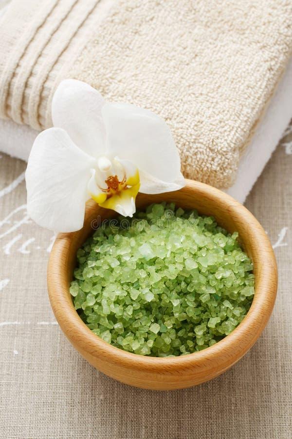 Puchar zielonego morza sól obrazy stock
