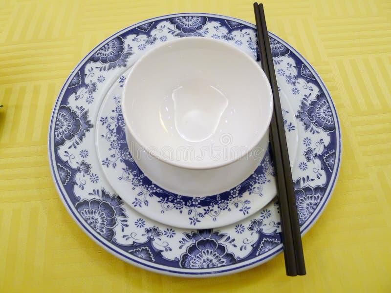 pucharu chiński chopstick naczynia stół zdjęcie royalty free