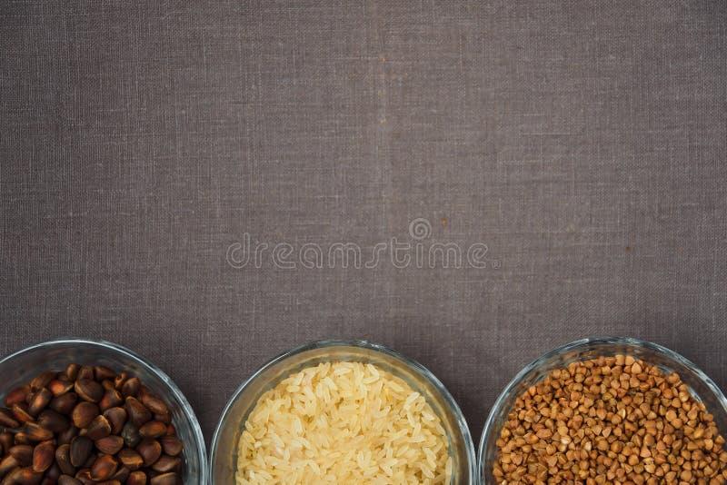 Puchary różnorodny gluten uwalniają produkty fotografia royalty free