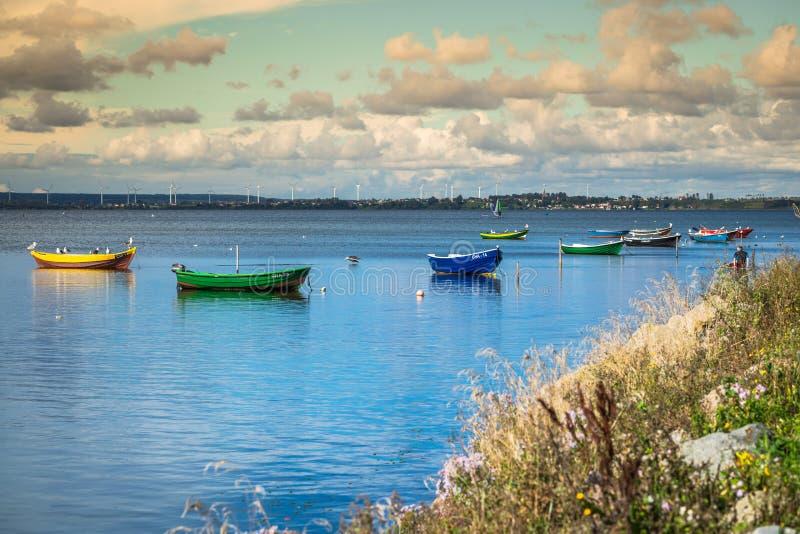 Puck Polen-September 5,2016: fiskebåtar baltiskt hav, fjärd av P royaltyfria bilder