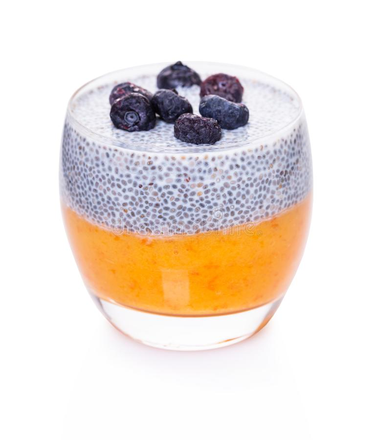 Pudding de Chia dans un verre photo stock