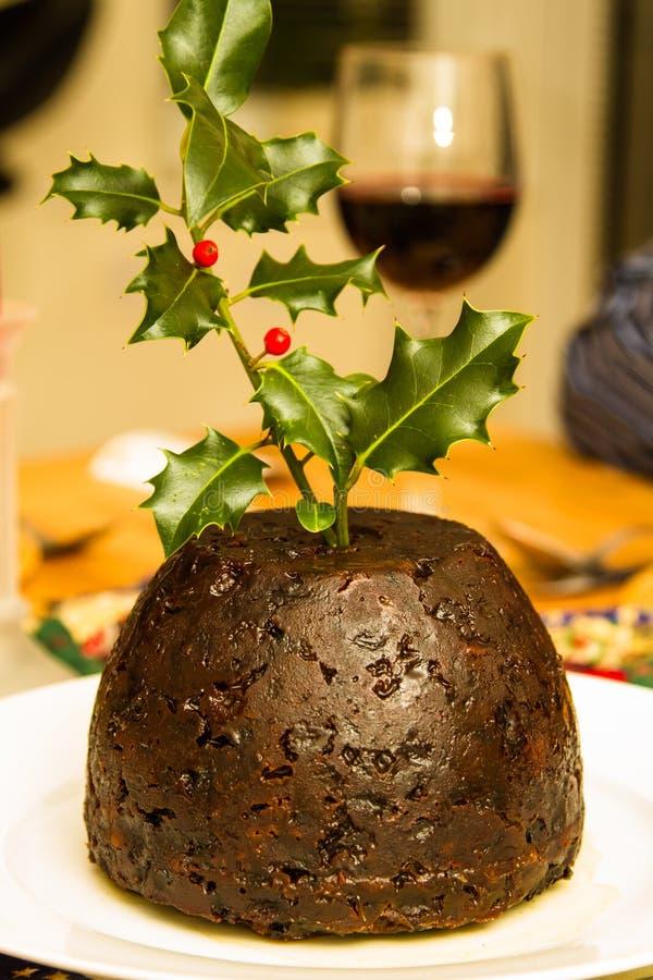 Pudding de Noël avec le houx photos libres de droits