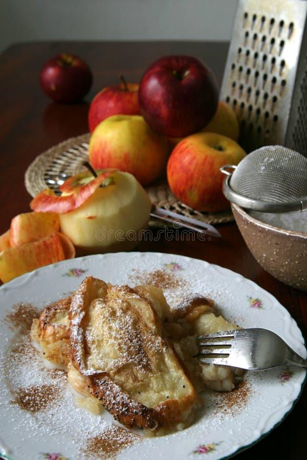 Pudding de pain d'Apple images libres de droits
