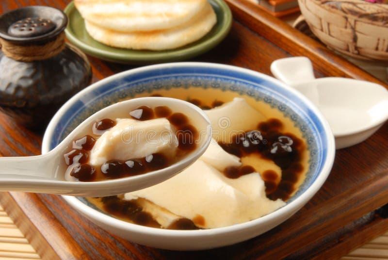 Pudding de tofu avec la bille de tapioca images stock