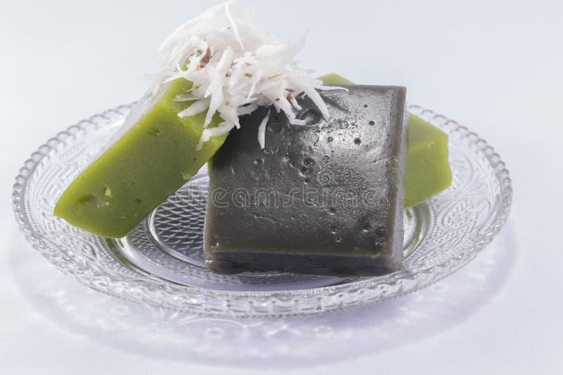Download Pudding Noir De Bonbon à Noix De Coco Photo stock - Image du assiette, pudding: 76079698