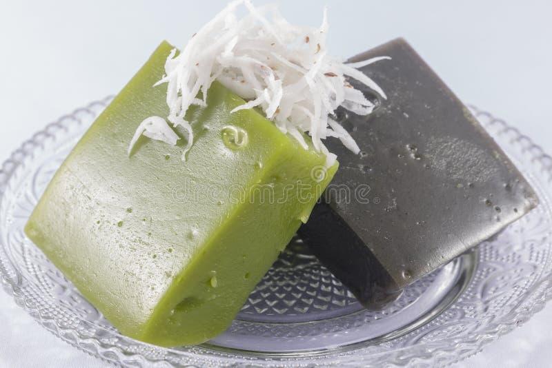 Download Pudding Noir De Bonbon à Noix De Coco Image stock - Image du pudding, nourriture: 76079705