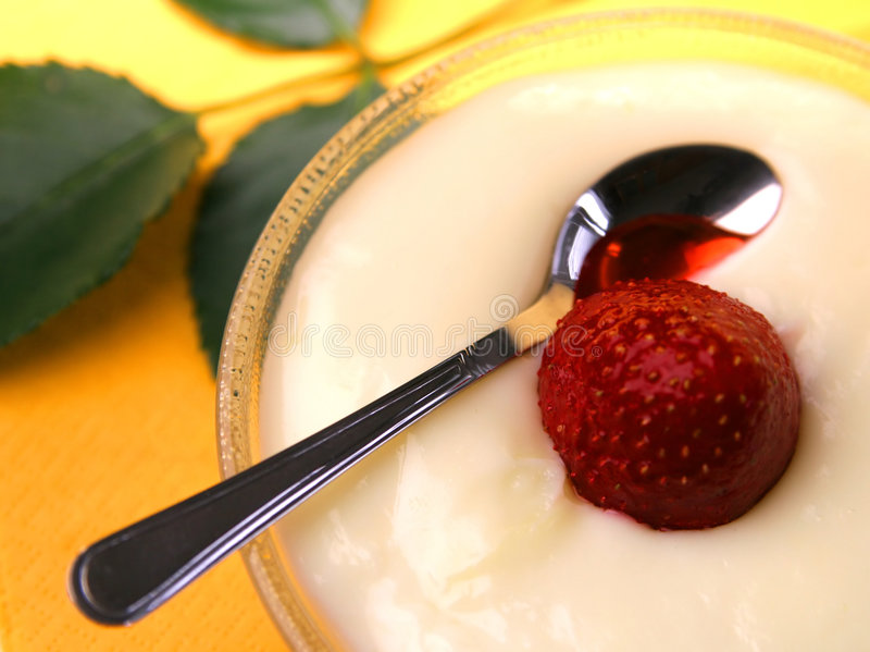 Pudding with strawberry stock photos