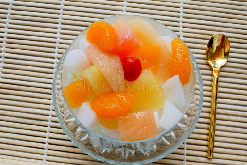 Puddingfrucht der chinesischen Art ist viel hereingekommen lizenzfreie stockfotografie