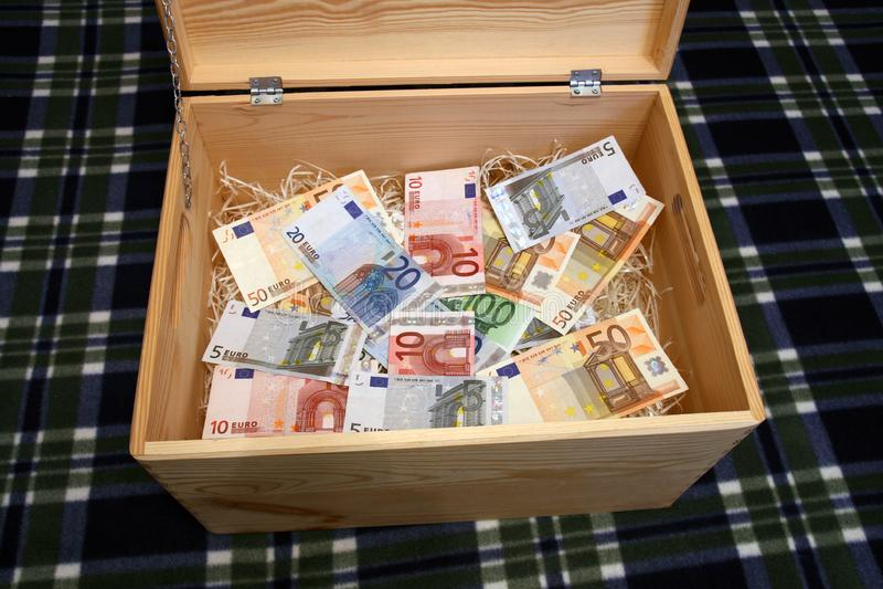 Pudełko pieniądze zdjęcia stock
