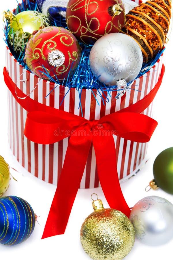 Pudełko z Nowego Roku zabawek zbliżeniem fotografia stock
