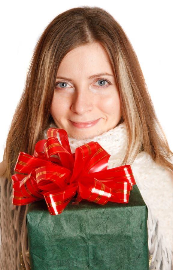 pudełkowata prezenta dziewczyny zieleni zima obrazy royalty free