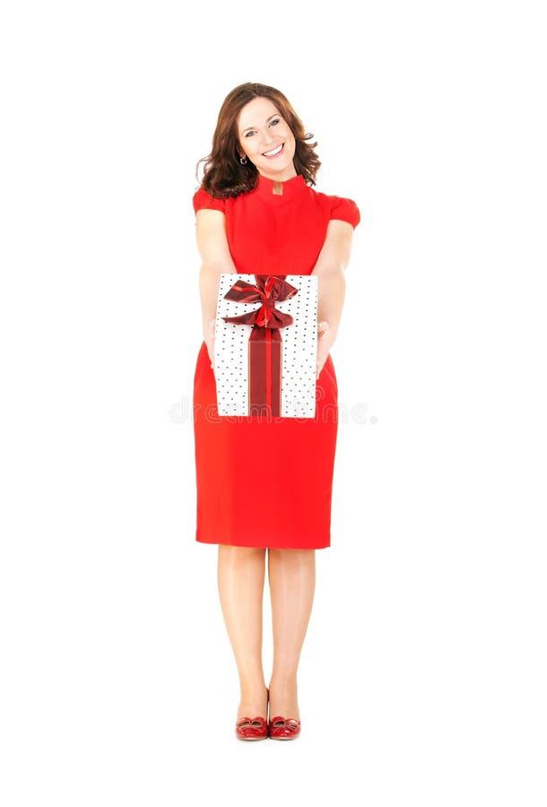 pudełkowatego prezenta szczęśliwa kobieta zdjęcia stock