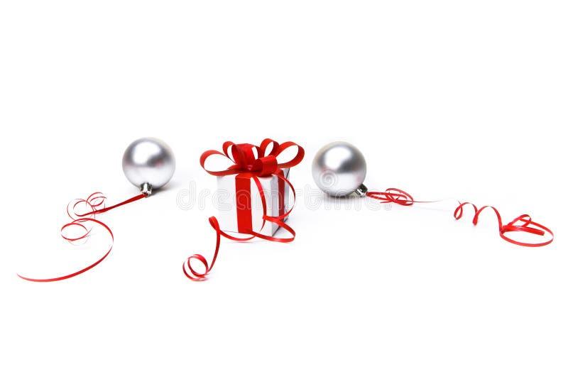 pudełkowaty prezenta czerwieni faborek zdjęcie stock