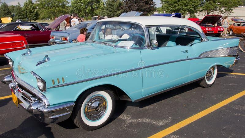 Puder-Blau u. Weiß Chevy 1957 Bel Air stockfotografie