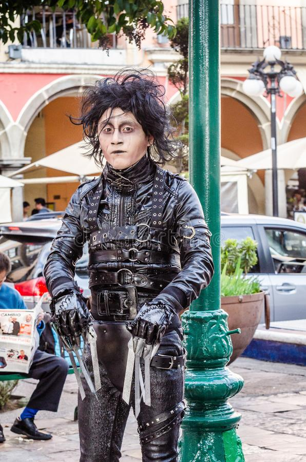 Puebla, Mexiko - 31. Oktober 2018 Edward Scissorhands-Kost?m lizenzfreie stockfotos